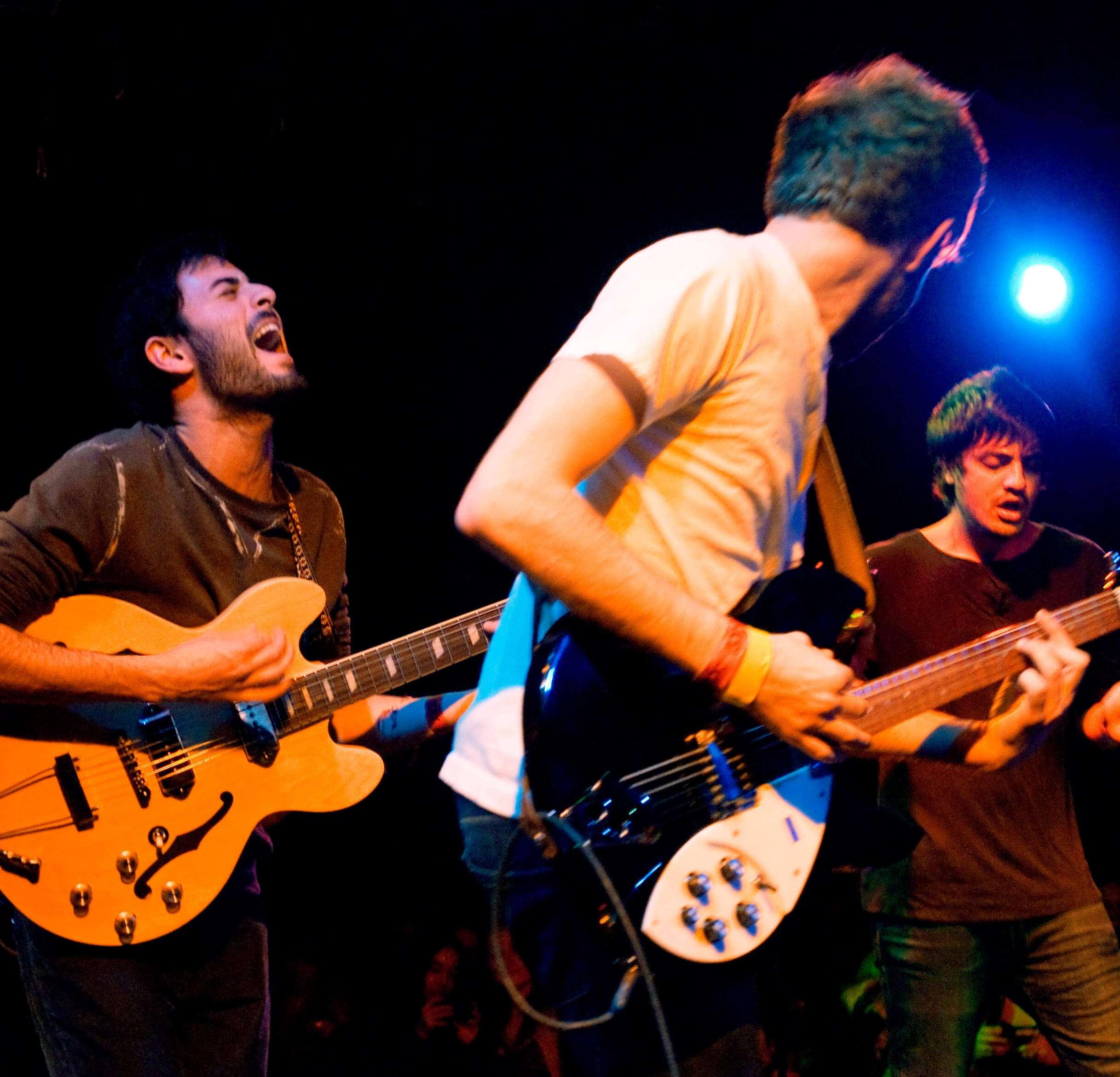 Aula de banda tocar guitarra